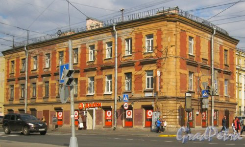 Бол. Сампсониевский д. 35. Общий вид здания с ул. Фокина. Фото 19 сентября 2014 г.