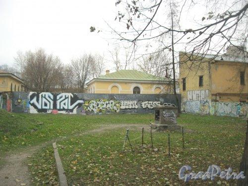 Рижский пр., дом 25. Двор домов 27 и 25. Фото 26 октября 2014 г.