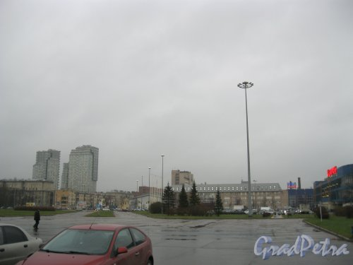 Пр. Юрия Гагарина, дом 8. Вид от СКК в сторону Кузнецовской ул. 28 октября 2014 г.
