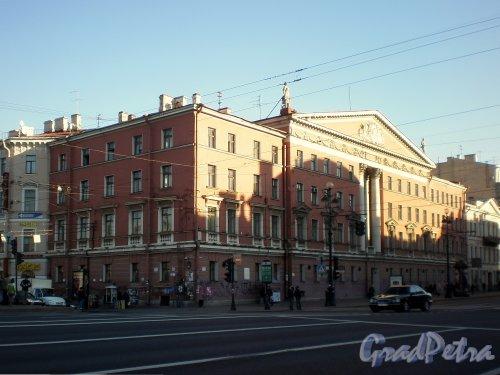 Невский проспект, д. 68, лит. Б. Общий вид здания. Фото ноябрь 2008 г.