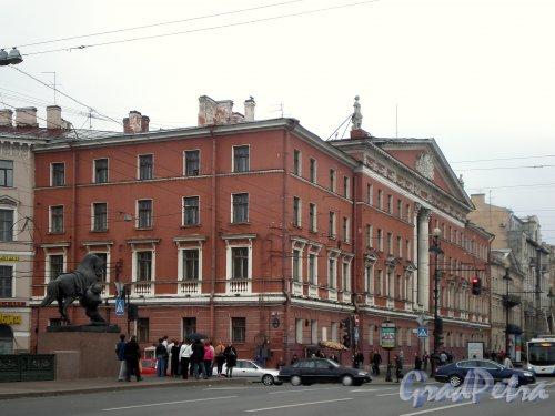 Невский пр., д. 68, лит. Б. Общий вид здания. Фото апрель 2009 г.