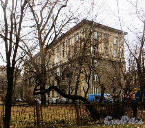 Проспект Стачек, дом 34, корпус 2, литера А. Общий вид жилого дома. Фото 29 ноября 2014 года.