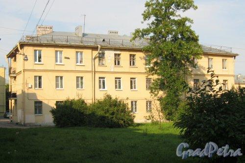 Пр. Елизарова, дом 4. Общий вид. Фото 27 июля 2014 г.