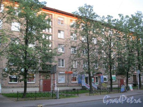 Пр. Елизарова, дом 14. Фрагмент фасада. Фото 27 июля 2014 г.