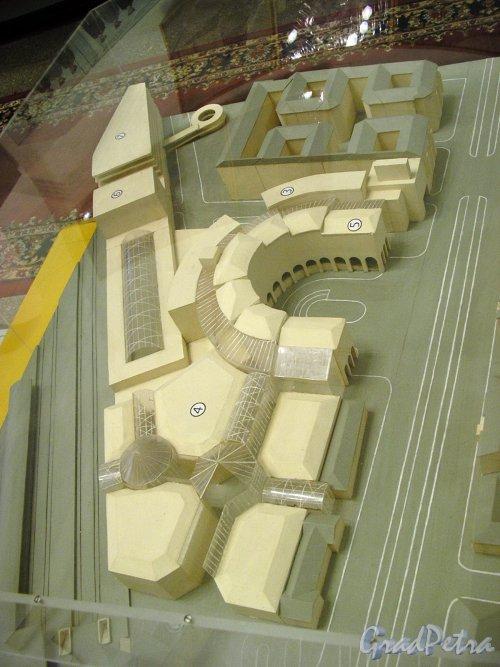 Проект вокзала высокоскоростной магистрали между Петербургом и Москвой. Экспонат музея железнодорожного транспорта. Фото январь 2006 года