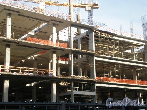 Строительство торгово-развлекательного комплекса «Galeria» у Московского вокзала. Фото июнь 2009 года.