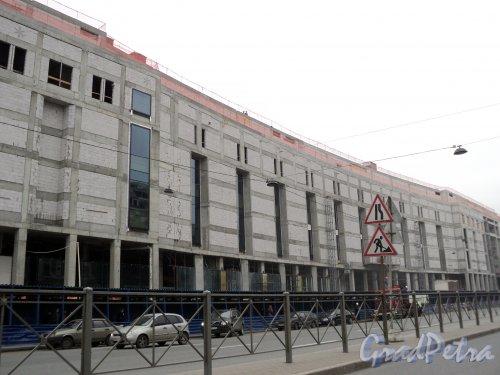 Строительство торгово-развлекательного комплекса «Galeria» у Московского вокзала. Фото май 2010 года.