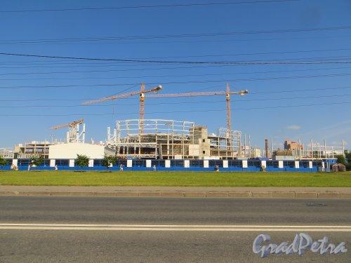 Строительство нового корпуса торгово-развлекательного центра «РАДУГА».Фото 3 августа 2014 года.