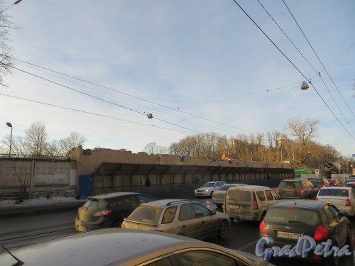 проспект Энгельса, дом 2, литера А. Снос корпуса со стороны проспекта Энгельса. Фото февраль 2014 г.