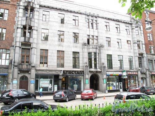 г. Выборг, Проспект Ленина, д. 12 средняя часть. Жилой дом с магазинами. Общий вил. фото июнь 2014 г.