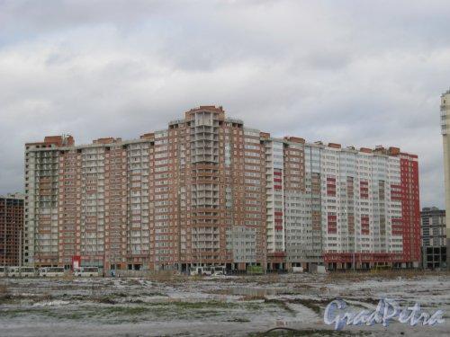 Ленинский пр., дом 68, корпус 1. Вид с пр. Героев. Фото 29 декабря 2015 г.