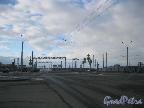 Ленинский пр. Перспектива строящегося участка в сторону Финского залива от пр. Героев. Фото 29 декабря 2015 г.