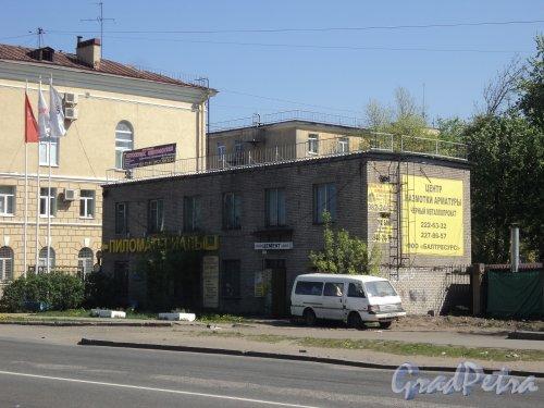 проспект Энергетиков, дом 9, литера Б. Общий вид административного здания. Фото 21 мая 2011 года.
