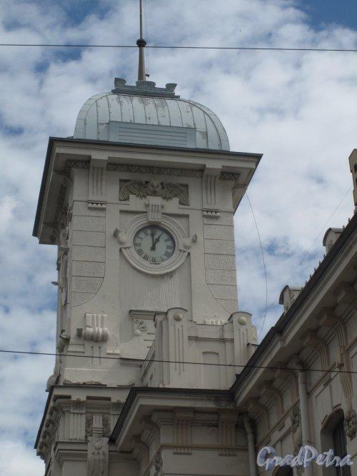 Загородный пр., д. 52. Витебский вокзал. Угловая башня. Фото июнь 2014 г.