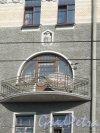 Загородный пр., д. 45. Доходный дом А. Н. Штальман, 1906-07, арх. И.Ю. Мошинский. Балкон. фото июль 2014 г.