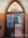Средний пр., д. 18а / 3-я линия В.О., д. 32. Лютеранская церковь св. Михаила. Внутренние перед молитвенным залом. фото сентябрь 2014 г.