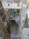 Средний проспект В.О., дом 36 / 9-я линия В.О., дом 40. Внутренний вид атриума коммерческого центра «Остров». Фото 14 марта 2014 года