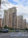 Кондратьевский пр., дом 62, корпуса 1 и 2. Многоэтажные жилые дома, постройки 2000-2010 гг. фото июль 2015 г.