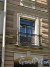 Большой пр., В.О., д. 5. Доходный дом Ломача, 1875-76, Балкон. фото август 2015 г.