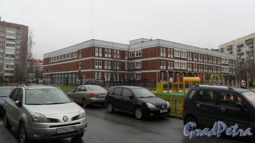 Комендантский проспект, дом 29, корпус 2. Общеобразовательная школа №657. Фото 20 ноября 2015 года.