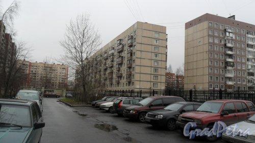 Комендантский проспект, дом 31, корпус 2. 9-этажный жилой дом серии 1-ЛГ606.11.87 1987 года постройки. 7 парадных. 244 квартиры. Фото 20 ноября 2015 года.