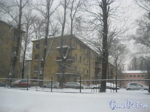 Кондратьевский пр., дом 40, корпус 4. Общий вид с ул. Жукова. Фото 15 января 2016 г.