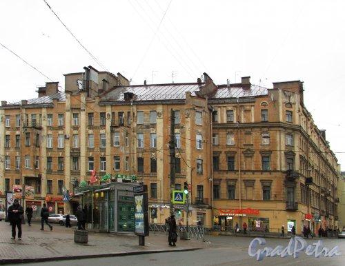 Чкаловский проспект, дом 18. Общий вид жилого дома. Фото 11 февраля 2016 года.