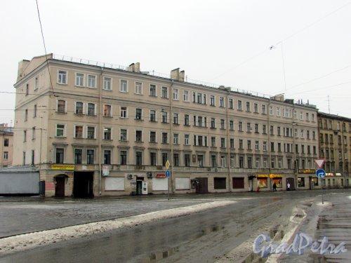 Большой Сампсониевский проспект, дом 18. Фасад здания со стороны площади Военных Медиков. Фото 7 февраля 2016 года.