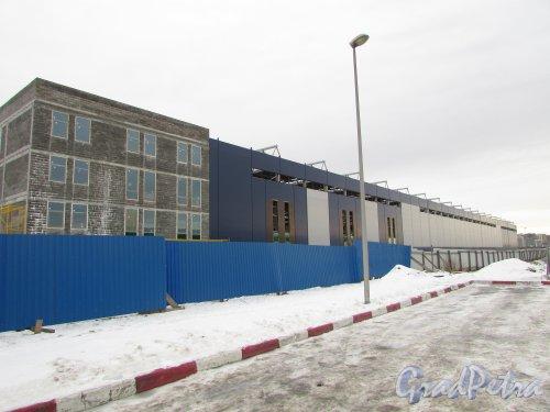 Проспект Культуры, дом 49. Строительство административно-промышленного комплекса около АЗС «ЛУКОЙЛ». Фото 19 февраля 2016 года.