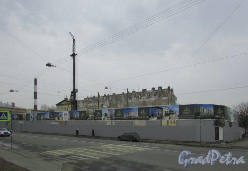 Общий вид участка строительства жилого комплекса «Дипломатъ» после сноса построек, ранее находившихся на территории. Фото 26 марта 2016 года.