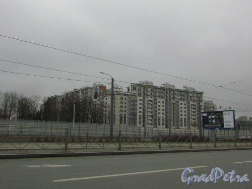 Приморский проспект, дом 52, корпус 1. Общий вид жилого квартала «LIFE-Приморский». Фото 2 апреля 2016 года
