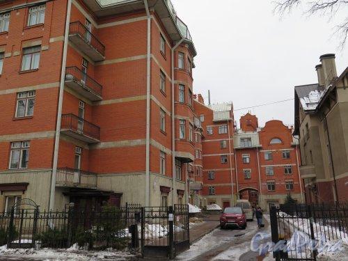 Пр. Динамо, д. 22. Общий вид с пр. Динамо. фото февраль 2015 г.