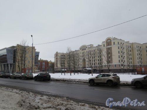 Морской пр., д. 24. 7-этажный элитный жилой дом, 2009. Общий вид с Крестовского пр. фото февраль 2015 г.