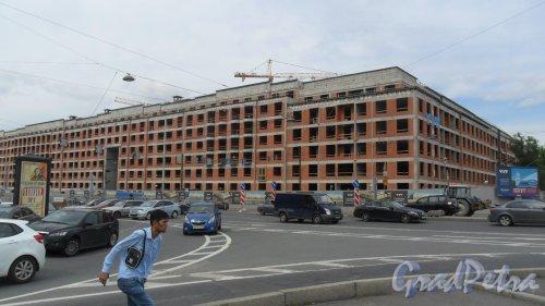 Смольный проспект, дом 17. Строительство жилого комплекса «Смольный Проспект» от строительной компании «ЮИТ», 421-81-66. Фото 29 июля 2016 года.