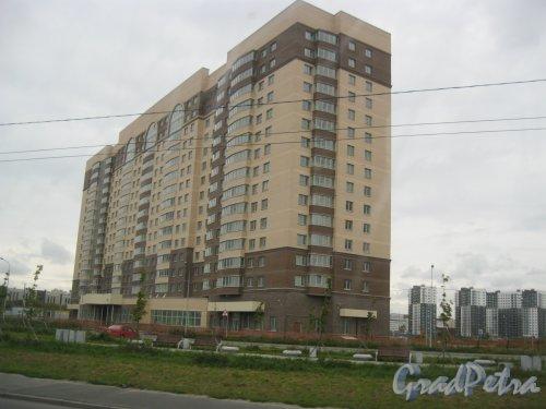 Дальневосточный пр., дом 6, корпус 1, литера А. Общий вид строящегося здания. Фото 15 сентября 2016 г.