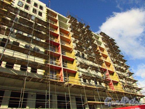 проспект Медиков, дом 10. Строительство корпуса 5 жилого комплекса «Европа Сити». Фото 8 сентября 2016 года.