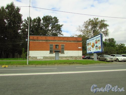 Витебский проспект, дом 15, корпус 2, литера А. Здание Трансформаторной подстанции электросети. Фото 8 сентября 2016 года.