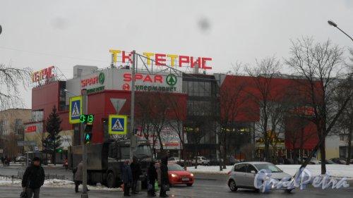 Красное Село, проспект Ленина, дом 51, литер А. Торговый комплекс «Тетрис». Фото 23 января 2017 года.
