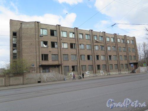 Средний проспект В.О., д. 79, кор. 2. Административное здание Трампарка. Общий вид. Фото апрель 2015 г.