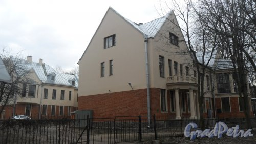 2-й Муринский проспект, дом 12, корпус 3. Фото 22 марта 2017 года.