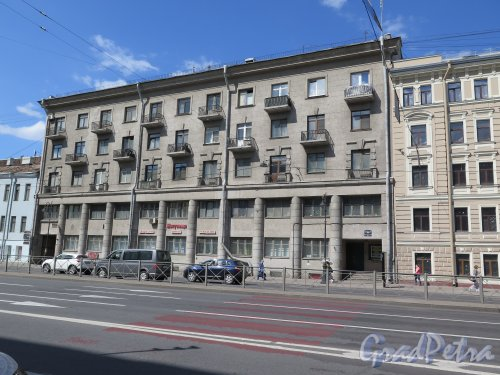 Лиговский пр., д. 31, 5-ти этажный жилой дом с административными помещениями, 1936. Общий вид фасада. фото июнь 2015 г.