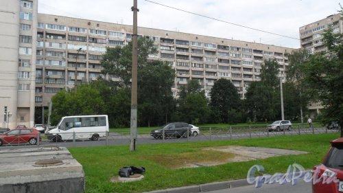 Гражданский проспект, дом 6, литер А. 11-этажный жилой дом серии Ш-6544/4 1977 года постройки. 5 парадных, 281 квартира. Фото 11 августа 2017 года.