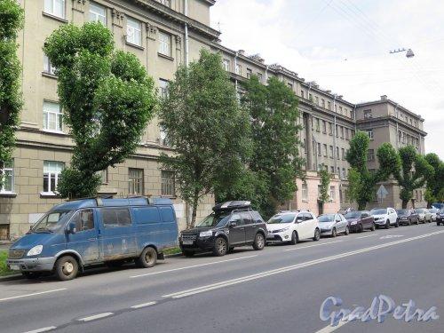 Левашовский пр., д. 3. 5-ти этажный жилой дом, 1939. Общий вид. фото июль 2015 г.