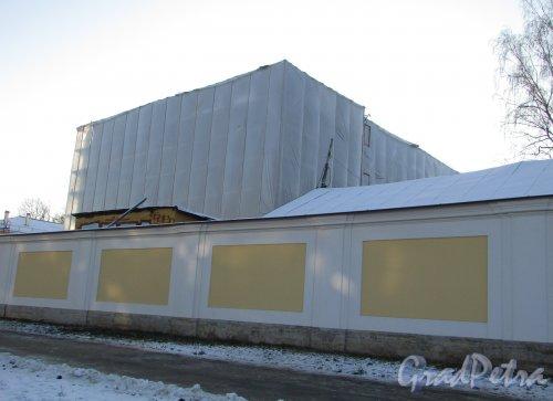 Загородный проспект, дом 47, литера Л. Строительство корпуса Обуховской больницы. Фото 31 января 2018 года.