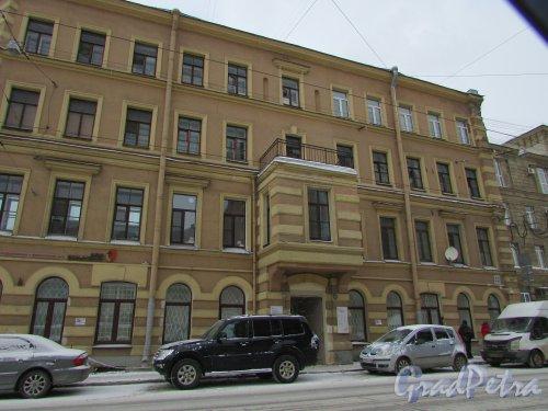 Кондратьевский проспект, дом 22. Правая часть здания. Фото 26 февраля 2018 года.