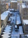 Лиговский пр., д. 74. Смольнинский хлебозавод-КЦ «Лофт Проект ЭТАЖИ». Вид из окна на проходной двор. Фото февраль 2016 г.