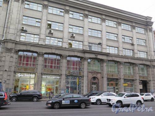 Литейный пр., д. 53. «Шереметевский пассаж». Правая часть фасада. Фото сентябрь 2015 г.