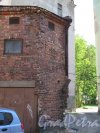 г. Выборг, пр. Ленина, д. 2. Просвет между постройками с видом на сквер. фото июнь 2015 г.