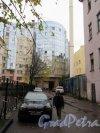 Невский пр., д. 108. 2-й двор с видом на БЦ Alia Tempora. фото октябрь 2017 г.
