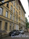 Суворовский пр., д. 43-45. Доходный дом. Задний фасад. фото май 2018 г.